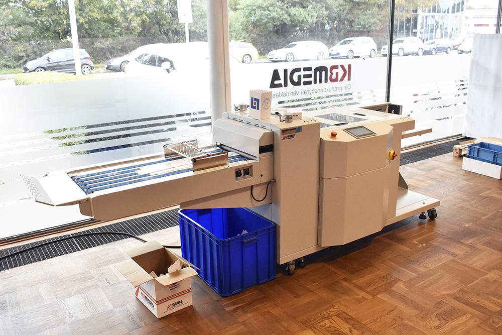 Stansmaskinen i B3-formatet med namnet RDC-3852 levererades av Plockmatic efter Sign&Print-mässan i april.